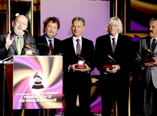 Latin Grammy - Premio especial a la Excelencia Musical (2011) - Les Luthiers (Los Luthiers de la Web)